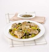 Kräuterhähnchen mit grünen Oliven