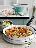 Omelett mit Räucherforelle und Artischocken