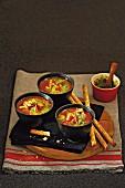 Italienische Gemüsesuppe mit Rindfleisch und Pesto
