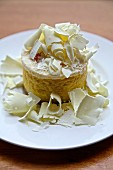 White chocolate and vanilla mousse with grated white chocolate