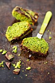 Spinach cake with chocolate and matcha