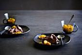 Schokoladenmousse mit Kumquats