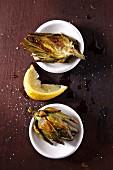 Gegrillte Artischocken mit Zitrone und Salz