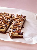 Oatmeal bars with pretzels