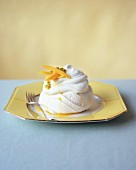 A meringue with exotic fruits