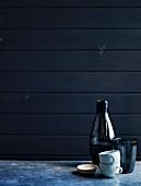 Glasflasche, becher, Tassen und Schälchen