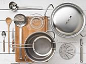 Küchenutensilien für Fondzubereitung