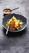 Käse-Kartoffel-Ravioli mit Tomaten-Estragon-Butter