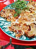 Topinamburchips mit Käse überbacken
