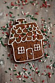 A house-shaped gingerbread biscuit