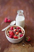 Amaranth muesli with fresh berries