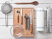 Kitchen utensils for preparing stuffed tomatoes