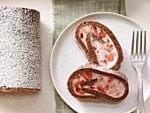 Erdbeer-Tiramisu-Rolle mit Espresso