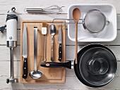 Kitchen untensils for preparing bakes