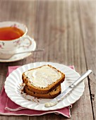 Gingerbread with butter and tea