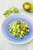 Avocado salad with peas and mint (detox)