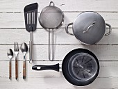 Kitchen utensils for making omelettes
