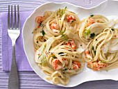 Spicy pasta with crab meat and fennel