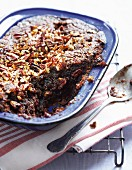 Date pudding with pecan nuts