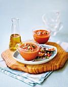 Gazpacho (Kalte Tomaten-Gemüsesuppe, Spanien)
