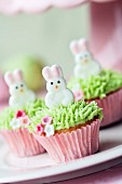 Mini cupcakes decorated with easter bunnies