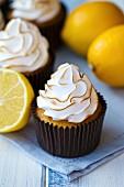 Cupcakes mit Zitronenbaiser