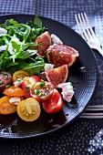 Feigen-Tomaten-Salat mit Rucola