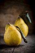 Quinces with leaves