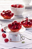 Raspberry tartlets with jelly