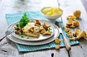 Turkey escalope with chanterelle mushrooms