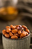 Pinto beans with thyme flowers in a dish