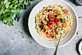 Spaghetti with aubergines and tomatoes