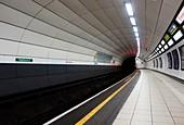 Underground rail platform