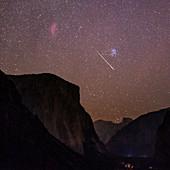 Perseid meteor over Yosemite