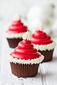 Cupcake mit Nikolausmütze