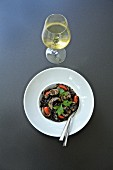 Linguini al Nero with white wine (Italy)