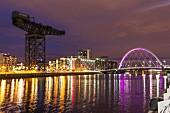 Hafen, Clyde bei Nacht, Glasgow, Schottland
