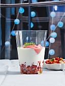 Geeister Erdbeer-Chili-Shot