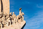 Das Denkmal Padrao dos Descobrimentos am Tejo-Ufer in Belém, Lissabon, Portugal