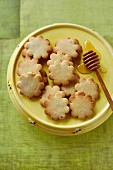 Flower-shaped honey biscuits