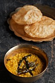 Lentil curry with flatbread