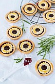 Jam tartlets with rosemary