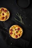 Tomato tarts with thyme