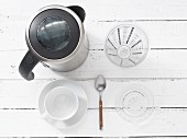 Kitchen utensils for making tea