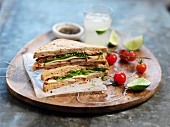 Sandwiches with honey and lime chicken