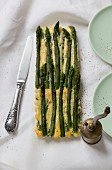 A green asparagus tart with pepper