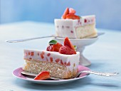 Strawberry and yoghurt cake with buttermilk