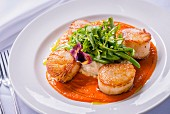 Seared scallops with mashed potaoes and greens