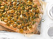 A mirabelle plum cake with chopped pistachios