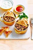 Hähnchen-Kartoffel-Pie mit Samosas